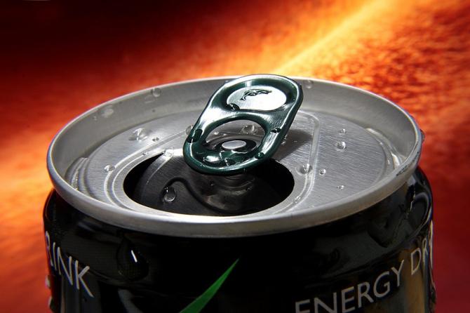 Băuturi energizante - efecte neștiute asupra tinerilor