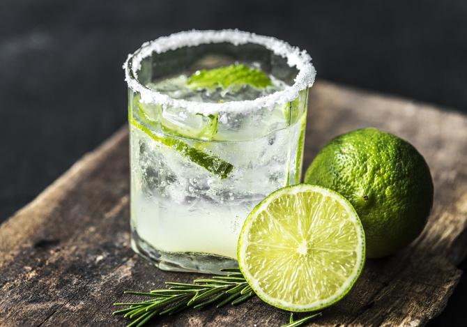 vodka ajuta la arderea grăsimilor)