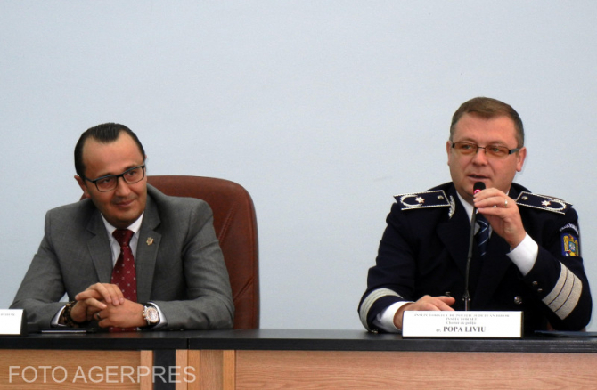 Chestorul Liviu Popa, dreapta