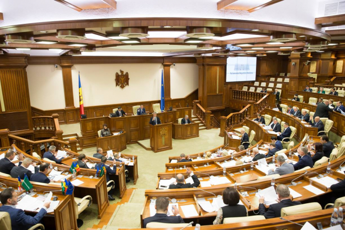 Alegeri Moldova: Primul sondaj în luna alegerilor