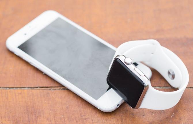 Device periculos. Smartwatch pentru copii, retras de pe piaţă