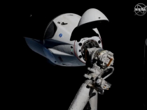 Capsula Crew Dragon pe SSI. foto: @SpaceX / Twitter