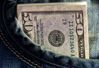 afacere dolari