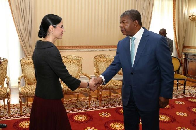 Ana Birchall, alături de președintele Republicii Angola