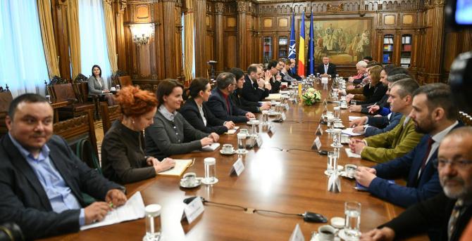 consultări Iohannis