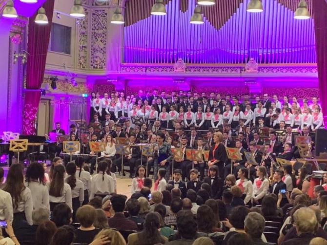 Concerult extraordinar a marcat  deschiderea seriei de evenimente prilejuite de împlinirea a 70 de ani de existență a primului liceu de muzică din România