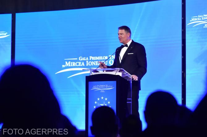 Presedintele Klaus Iohannis sustine o alocutiune la Gala Premiilor Tineretului Liberal (TNL) 'Mircea Ionescu Quintus', eveniment gazduit de Centrul International de Conferinte 'Casino' din Sinaia.