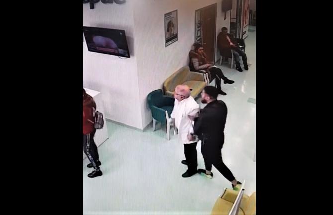 VIDO Agresiune în spital. Un medic, dat cu capul de mobilier