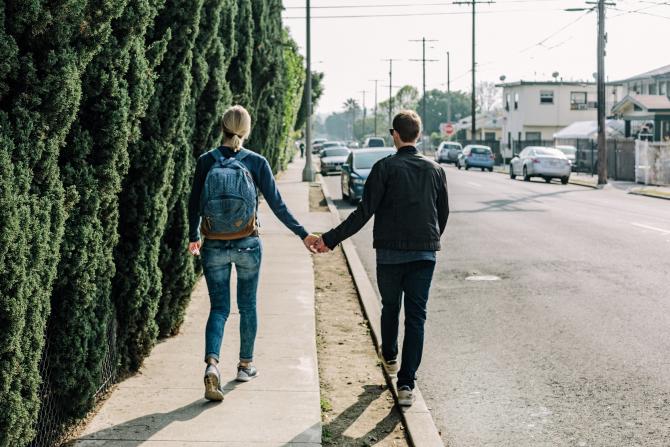 Oameni la plimbare
