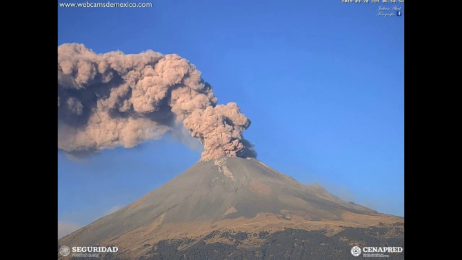 Vulcanul Popocatepetl a inceput sa erupa. Zecii de mii de oameni au fost evacuati