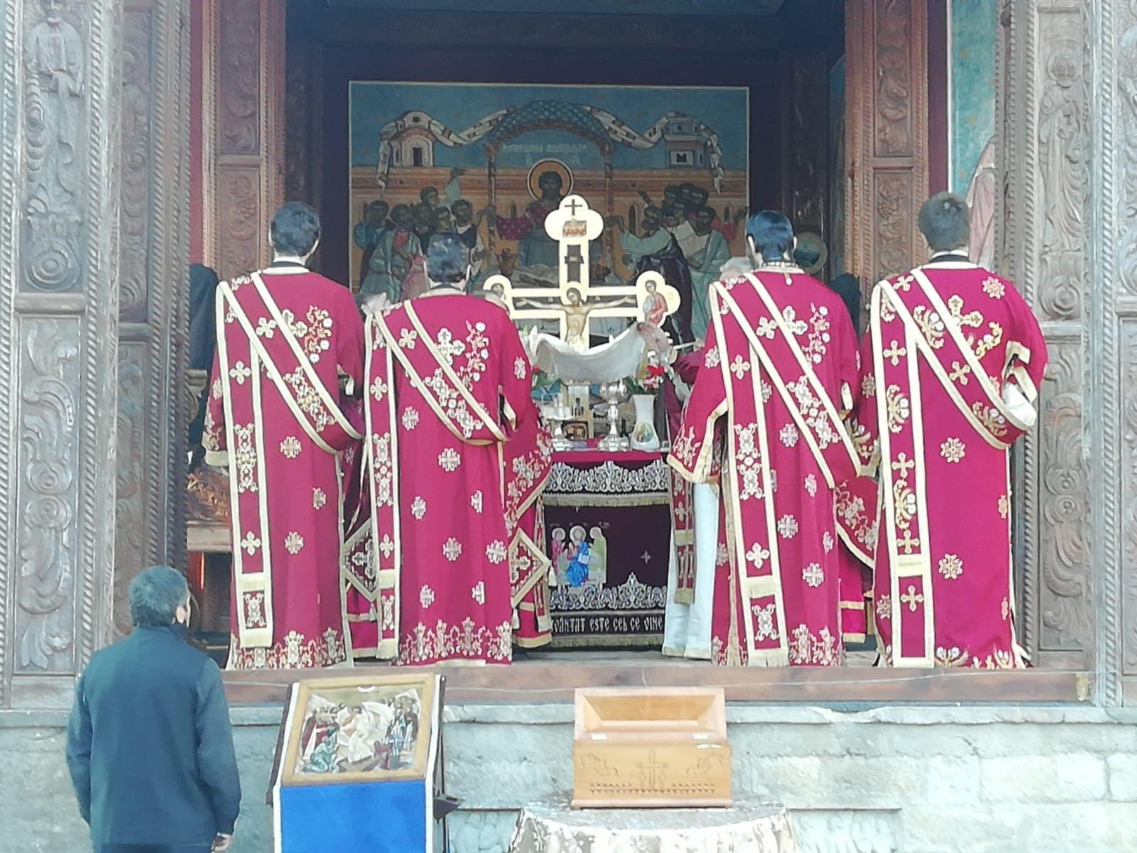 Slujbă la Mănăstirea Rohia, în A patra Dumincă din Postul Paștelui