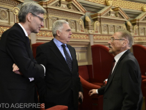 Leonard Orban, Adrian Severin si Emil Constantinescu participa la ceremonia oficiala de lansare a Presedintiei Romaniei la Consiliul Uniunii Europene, eveniment desfasurat la Ateneul Roman