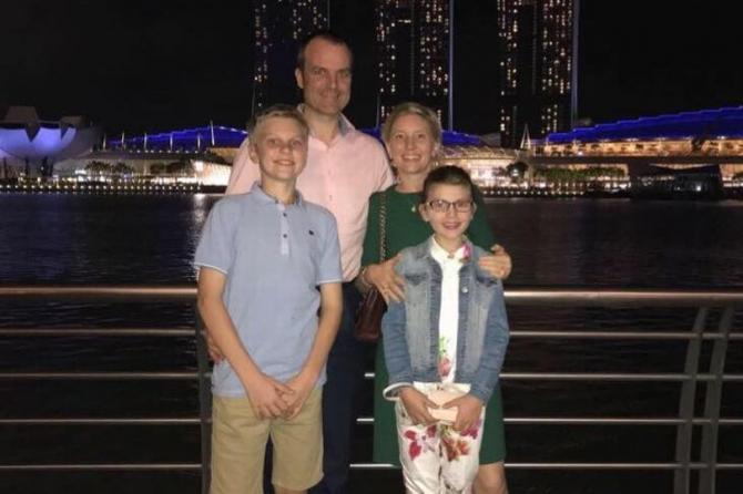 Foto Mirror Online. În stânga, Ben (tatăl), Alex (fiul). În dreapta: Anita (mama), Annabel (fiica)
