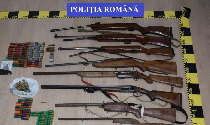 Arme de vânătoare confiscate de poliție. FOTO: Poliția Română