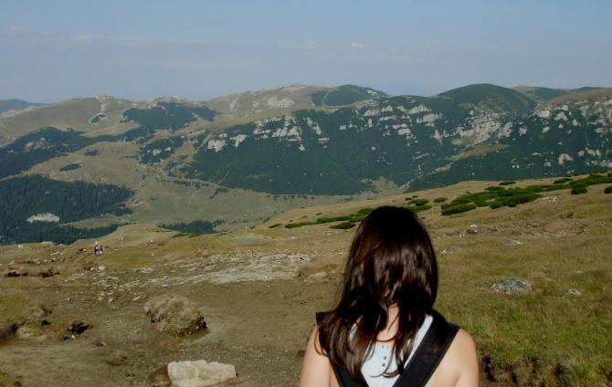 fată la munte