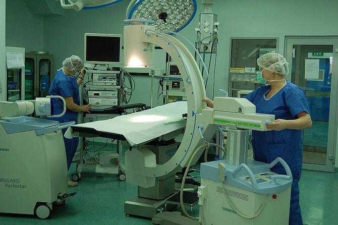 Turnurile de laparoscopie din Blocul Operator de la Spitalul Clinic Sanador sunt de ultimă generație. Foto: Sanador