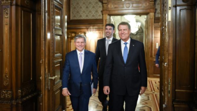 În 26 mai va fi referendumul lui Iohannis. Cioloș, lăsat în offside