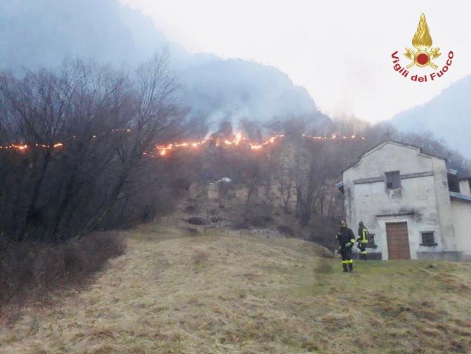 Incendiu Como Italia
