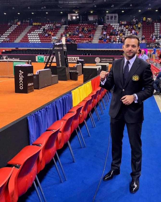 Mihai Morar, la Fed Cup. FOTO: Facebook / Mihai Morar