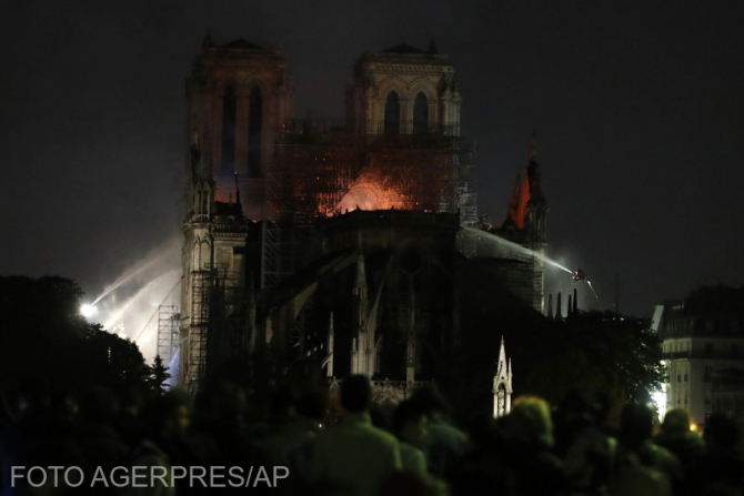 (w670) Notre Dame