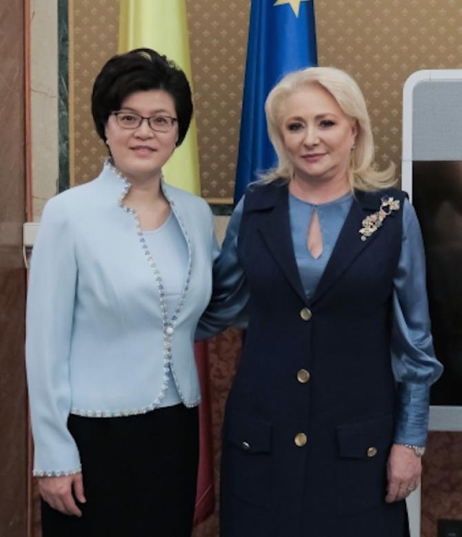 FOTO: Premierul Viorica Dăncilă a avut joi o întrevedere cu ambasadorul Republicii Populare Chineze în România, Jiang Yu.