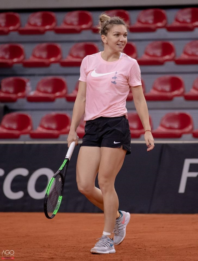 Simona Halep tricou roz