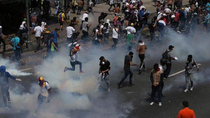 Garzile Patriotice intervin entru suprimarea manifestatiilor