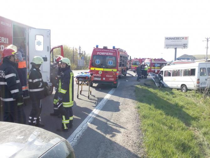Accident cu un microbuz. FOTO: ISU Cluj