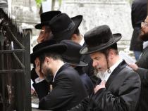Pentru protecția evreilor ortodocsi din Budapesta au fost înființate echipe de protecție