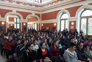 Poeți-români-în-închisorile-comuniste