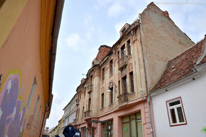 Clădiri neîngrijite. FOTO: Primăria Brașov