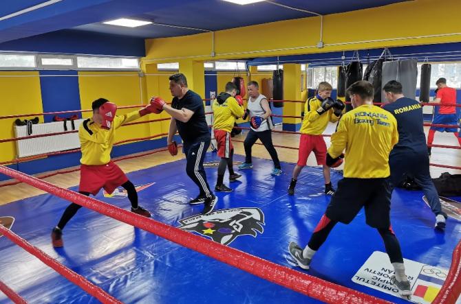 Box: Semifinalele Campionatelor Europene pentru juniori, la Galaţi