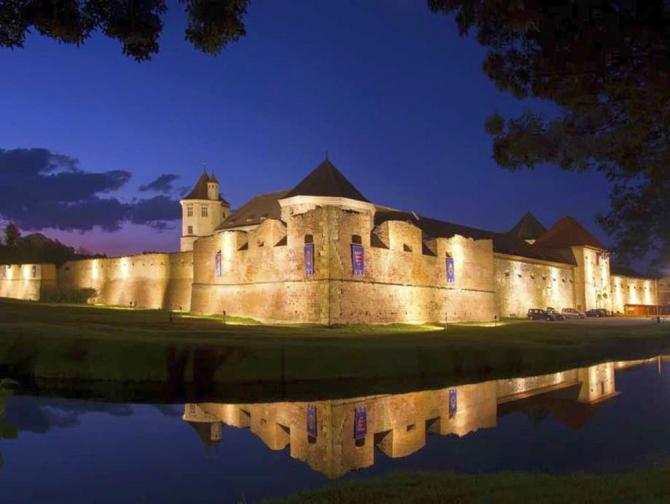 Cetatea Făgărașului, vedere de noapte