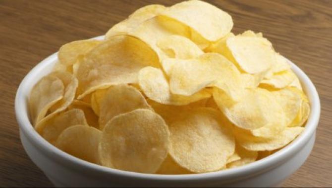 Chipsurile și snaks-urile fap parte din alimentele ultraprocesate