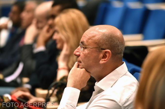 Cozmin Gusa participa la evenimentul de lansare a volumului 'Partidul Social Democrat (1992-2016) - Romania postcomunista. O istorie a partidelor in interviuri si documente', vol.II, in Aula Bibliotecii Nationale