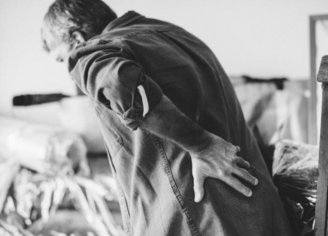 Coxartroza e cu totul altceva decât o banală durere de șale pe care o experimentăm cu toții