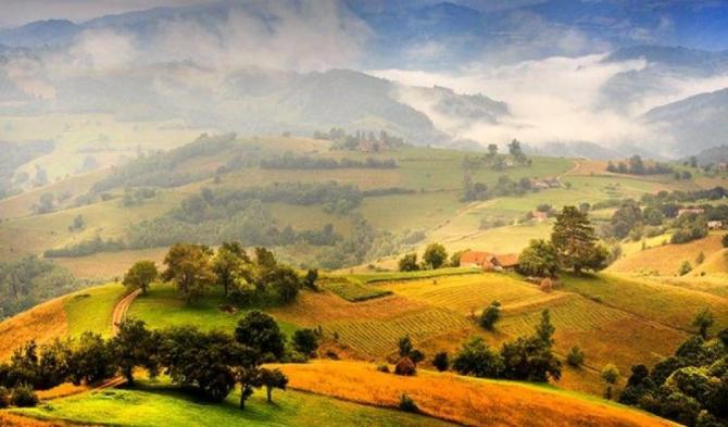 Țara Făgărașului, o zonă de poveste în mare parte nederanjată de mâna omului