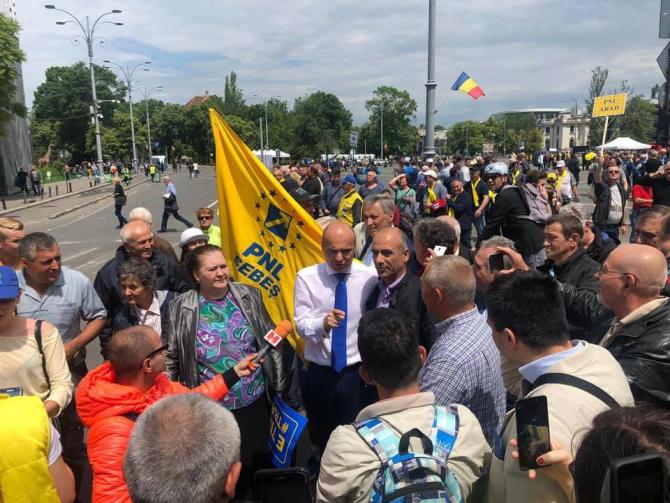 Rareş Bogdan este principalul candidat la alegerile europarlamentare din partea PNL