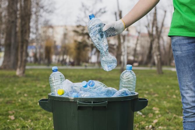 Reciclarea, o afacere de miliarde pierdută de România. Avertisment de la Comisia Europeană