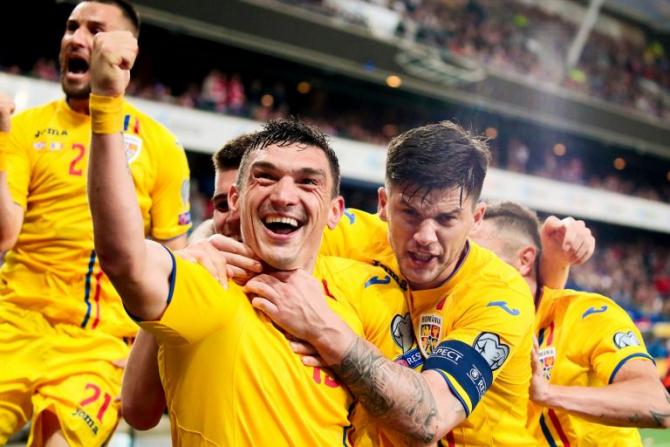 Malta - România. Foto: Claudiu Keșeru, bucurându-se după ce a egalat pentru România în ultimul minut la Oslo, în partida încheiată 2-2. Sursă: FRF