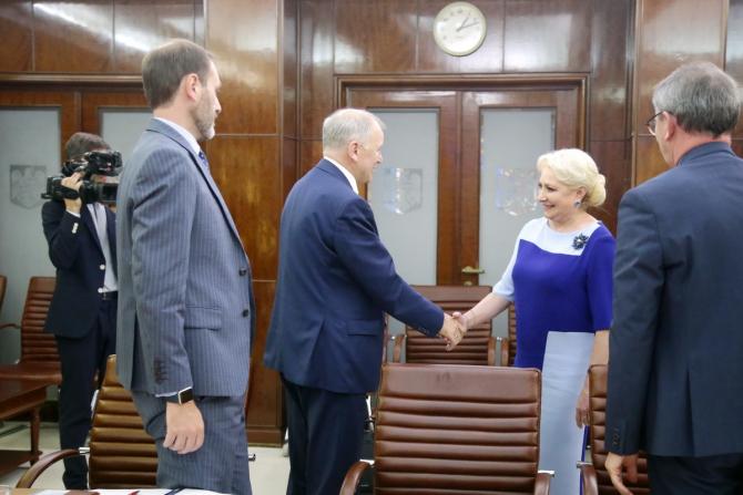 Viorica Dăncilă, alături de comisarul european Vytenis Andriukaitis