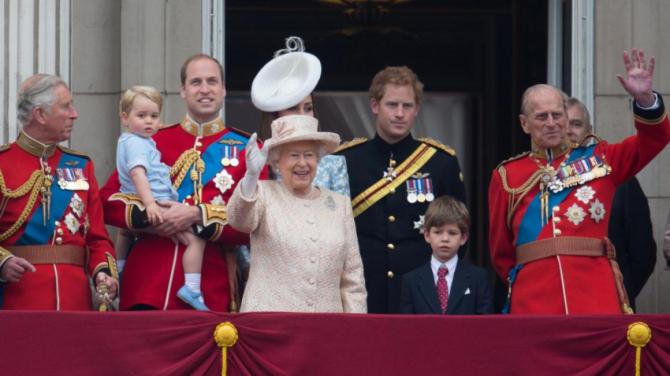 Prinţul Philip, soţul de peste şapte decenii al reginei Elisabeta a II-a a Marii Britanii