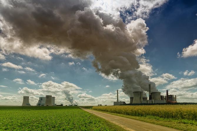 Centrală pe cărbune. Emisii. Criză climatică. SURSA: Pixabay.com