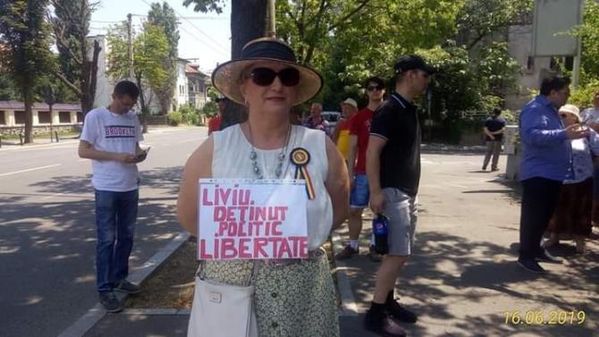 (w670) PROTEST