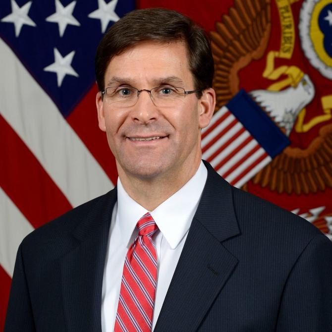 Secretarul de stat al Fortelor Terestre SUA Mark T. Esper