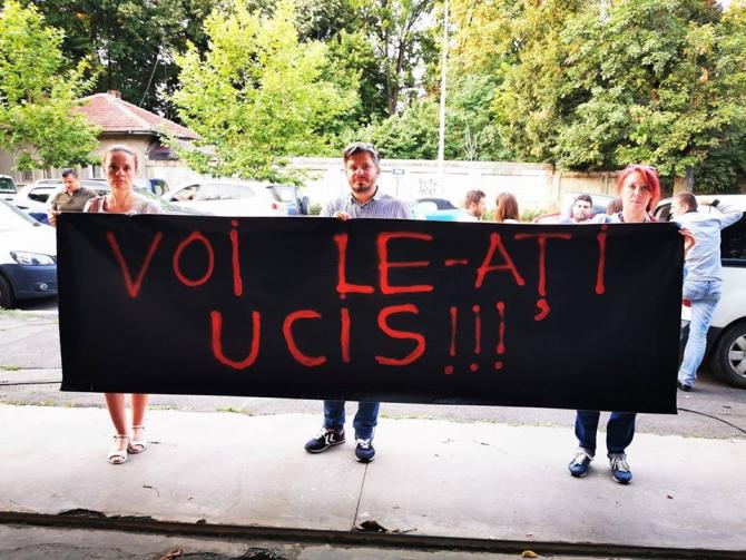 Protest în Piaţa Victoriei