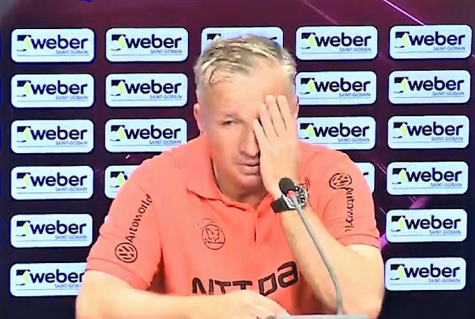 """Dan Petrescu, dărâmat. """"Nu ştiu cum să inventez ceva!"""" Meciul cu Astana, după cinci ore în avion"""