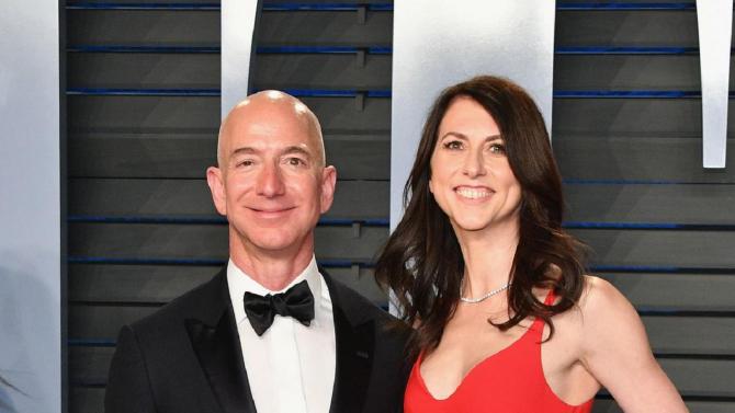 Jeff Bezos a divorțat