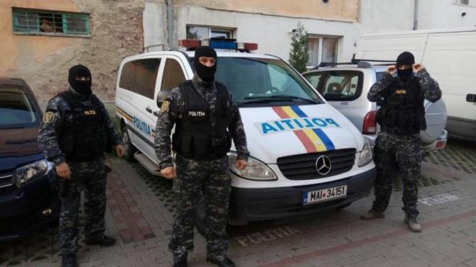 Poliţistul, îndreptăţit să folosească mijloace de constrângere