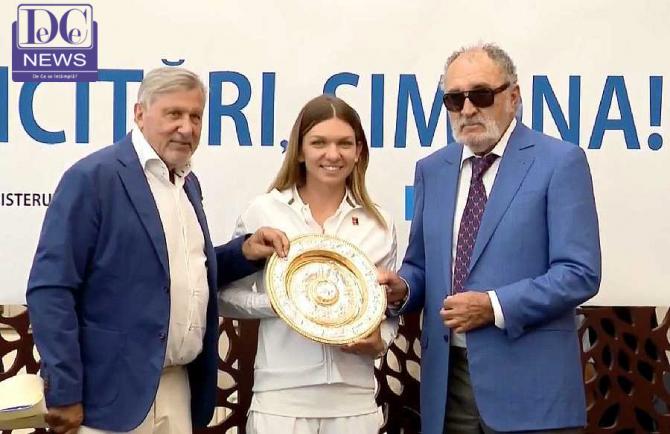 Simona Halep, Ilie Nastase și Ion Țiriac au primit-o pe campioana noastră la aeroport după câștigarea Wimbledon-ului